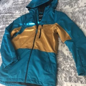 Oakley ski jacket, warm, dry, ready for slopes!